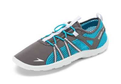 Speedo USA  Unisex Women's Seaside Lace  : Drkg Gr/Wht: Stay grounded during water activities. This water shoe has a sneaker-inspired design that promotes breathability and features an easy lacing system that ensures a secure fit.